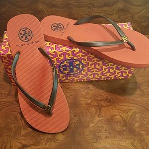 Tory Burch Thin Flip Flop in size 7